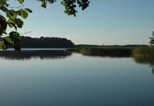 091 kąpielisko na cyplu Dziewiszewski widok na wyspę gilmę