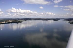 Jezioro Kisajno Widok z nad Fuledzkiego Cypla Na wyspe Debowke
